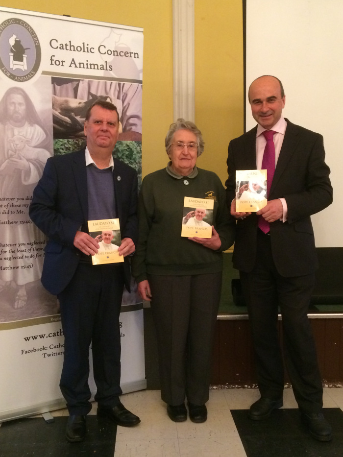 From left to right: Chris Fegan – CCA CE, Judy Gibbons – CCA Chair and Philip Lymbery – CIWF CE.